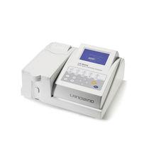 Analizador de bioquímica automático / de mesa
