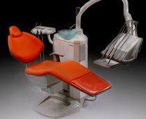 Unidad de tratamiento dental con portainstrumentos