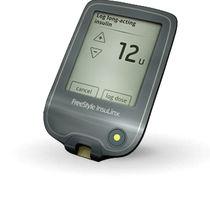 Glucómetro táctil / de uso doméstico