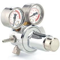 Regulador de presión de gases médicos / de alta presión