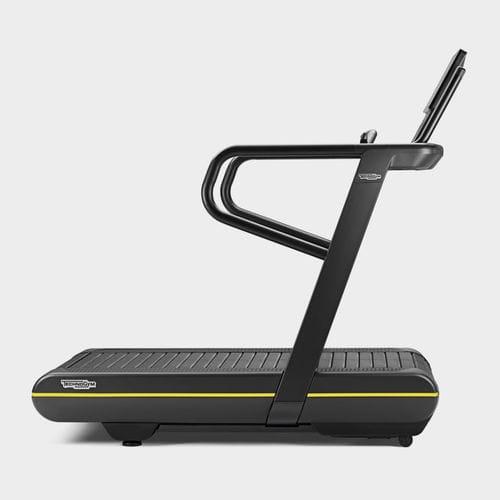 cinta de correr con baranda - Technogym
