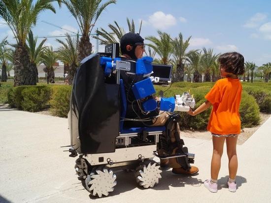 Brazos robóticos y motorización temporal: la nueva generación de sillas de ruedas