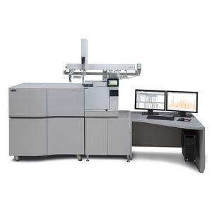 espectrómetro TOF-MS