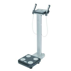 analizador de la composición corporal por segmentación / con indicador digital / plataforma / cuerpo entero
