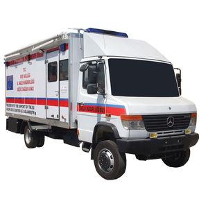 clínica móvil con cuerpo modular independiente / 4x4