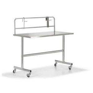 mesa de acondicionamiento de instrumental médico