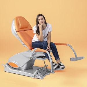 sillón de reconocimiento ginecológico