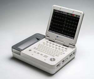 electrocardiógrafo 12 canales / digital / con impresora / con pantalla