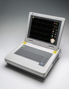 electrocardiógrafo 18 canales / digital / con pantalla