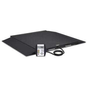 balanza pesa-personas electrónica / para silla de ruedas / con indicador digital / plataforma