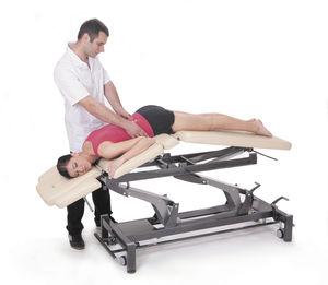 mesa de masaje eléctrica / de altura ajustable / con ruedas / de 3 secciones