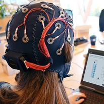 electroencefalógrafo 32 canales / para la investigación médica / inalámbrico / corporal