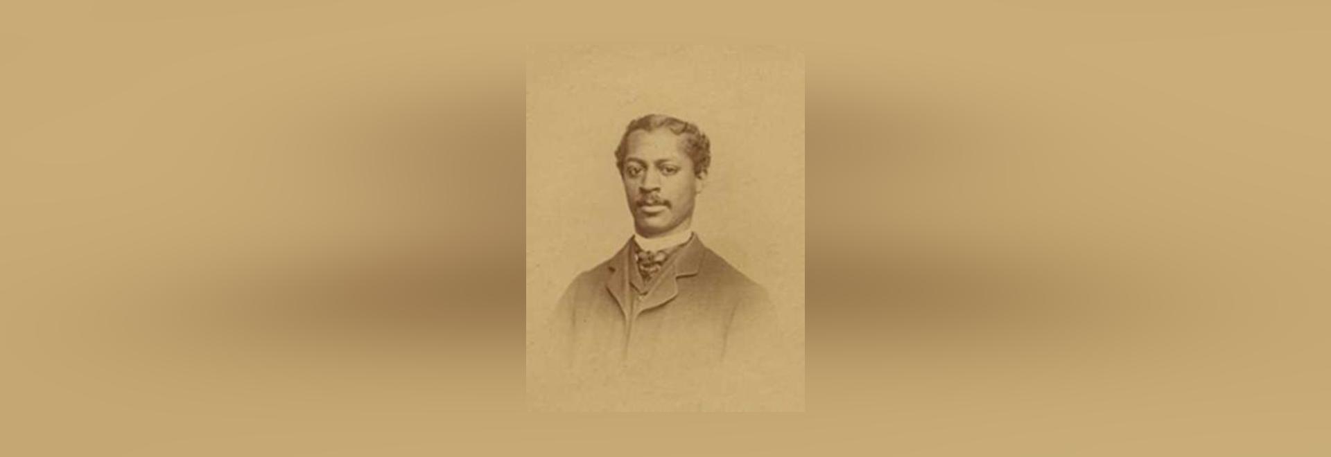 Roberto Tanner Freeman
