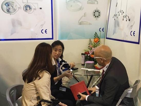 Exposición Dental de Shanghai