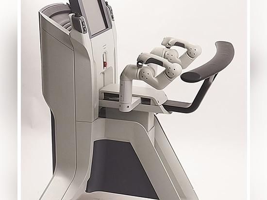 Robot quirúrgico con brazos humanoides para histerectomías transvaginales
