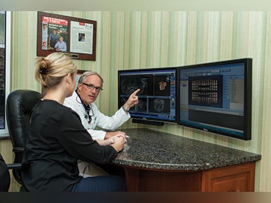 La proyección de imagen tridimensional de CBCT es una herramienta excelente de la educación de diagnóstico y de paciente.